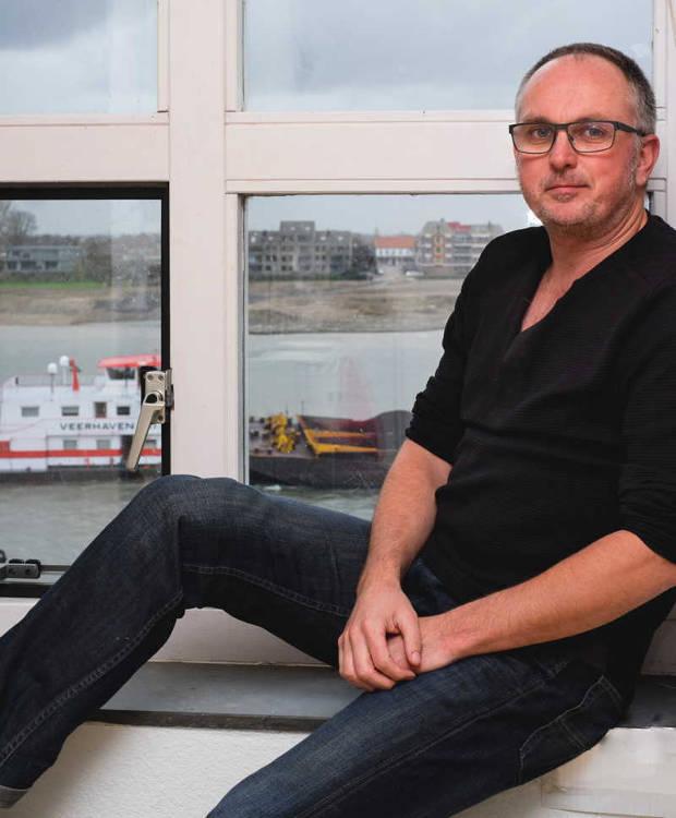 Foto van Johan Frijns, uitzicht op Waal